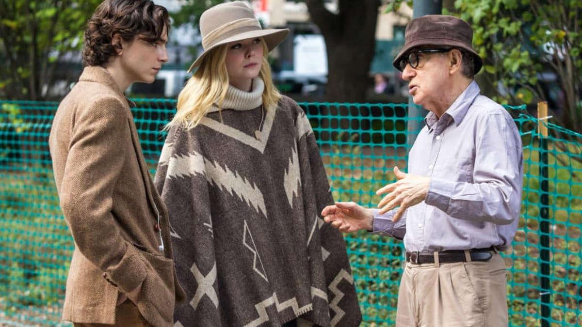 Woody Allen sul set di Un giorno di pioggia a New York dirige gli attori del cast