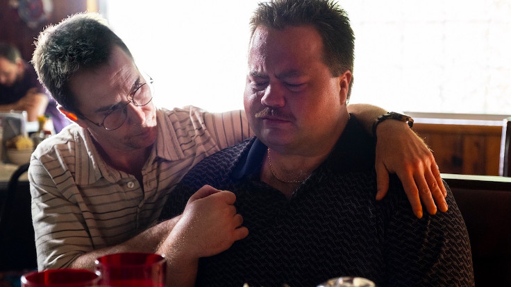 Paul Walter Hauser e Sam Rockwell in Richard Jewell
