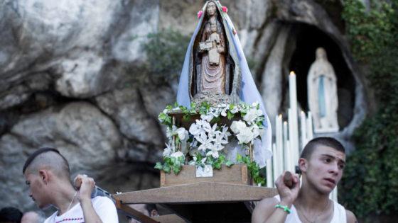 Una scena di Lourdes