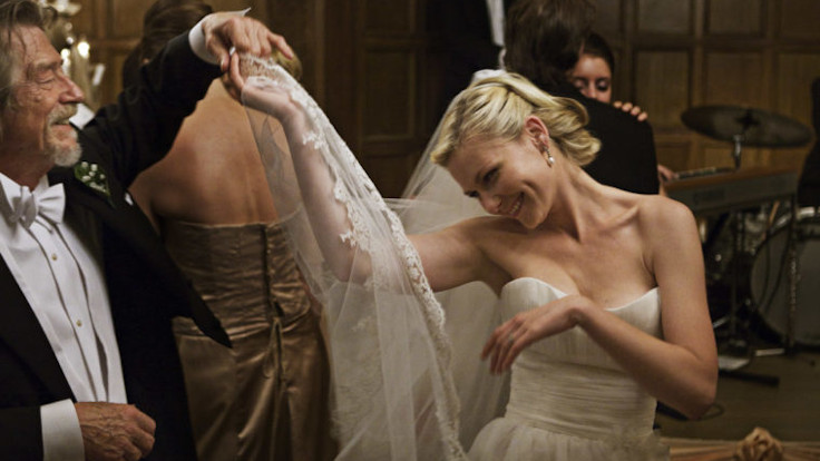 Kirsten Dunst in una scena tratta da Melancholia