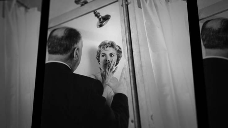 Alfred Hitchock e Janet Leigh sul set di Psyco