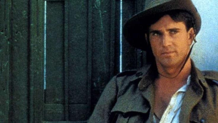 Mel Gibson in una scena de Gli anni spezzati