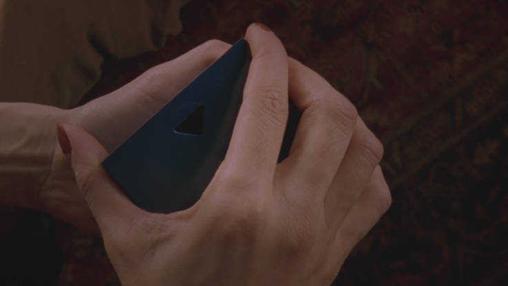 Il cubo blu, la cui caduta sancisce la cesura sonora di Mulholland Drive